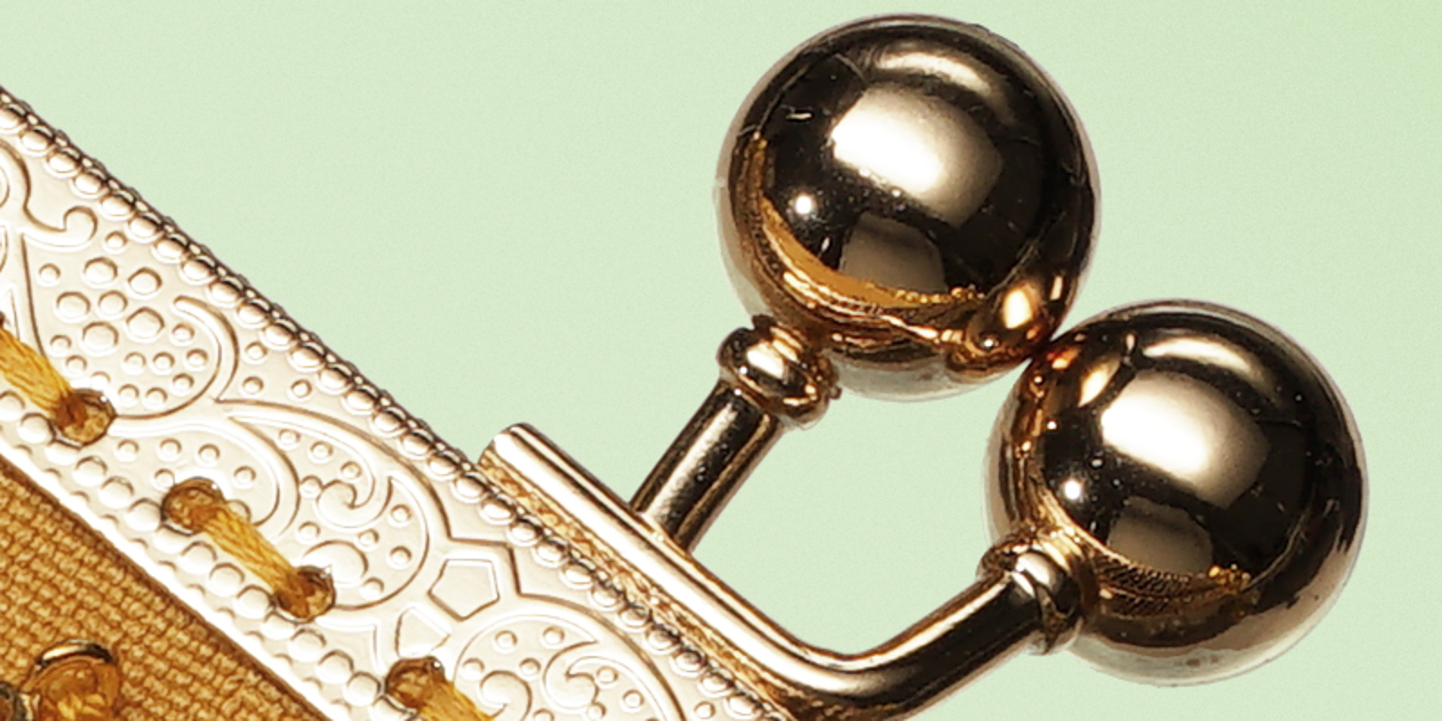 IMAGE: http://makino.fi/rico/fm/goldpurse3b.jpg